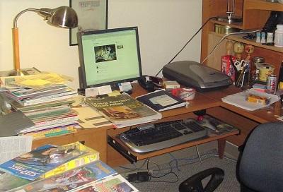 photo of a messy desktop